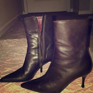 Women's Authentic Gucci Boots!